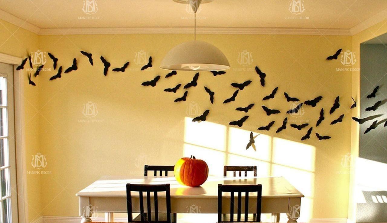 Летучие мыши, пауки, паутина - атрибуты для декора.